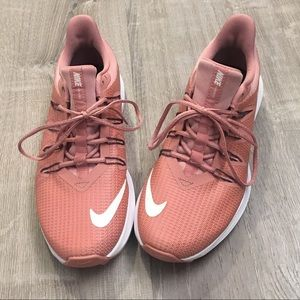 NEW Nike Quest Rust Pink sneakers, Size 8